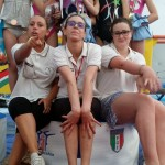 Istruttrici e ginnaste festeggiano